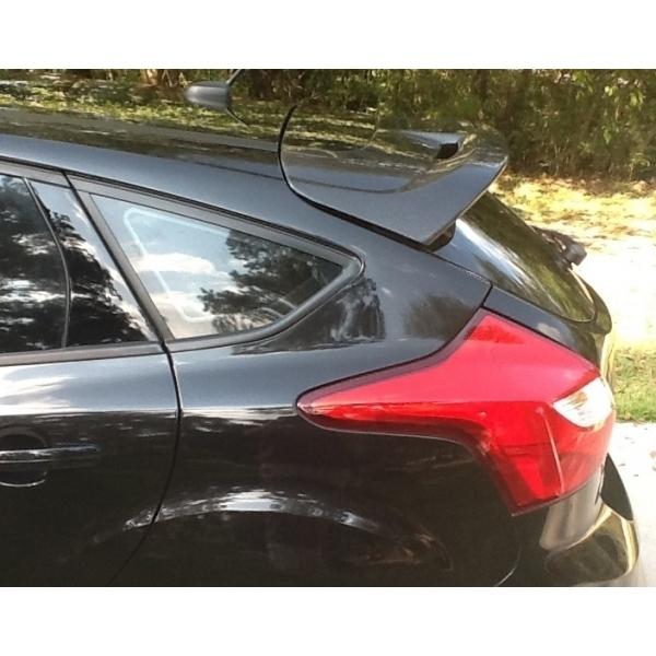 becquet aileron de toit en carbone ford focus 2012 sp. Black Bedroom Furniture Sets. Home Design Ideas